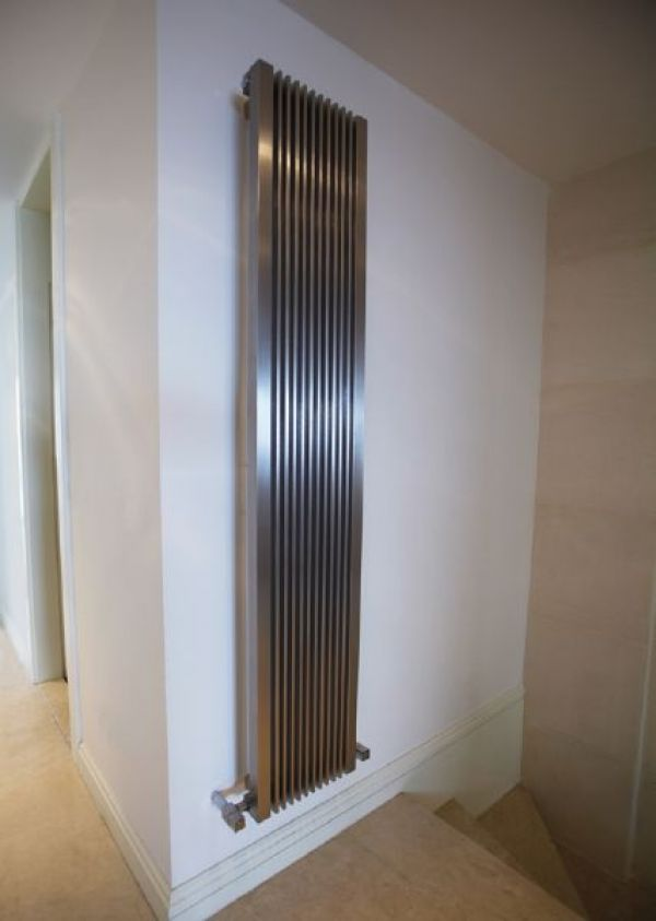 radiateur gaz design fournisseur de radiateurs design. Black Bedroom Furniture Sets. Home Design Ideas