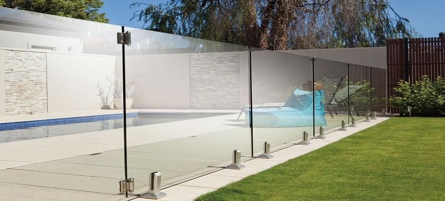 barriere-piscine-tout-verre-sans-poteau